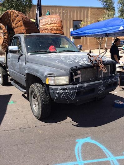 Chalkboard painted truck: Genius!