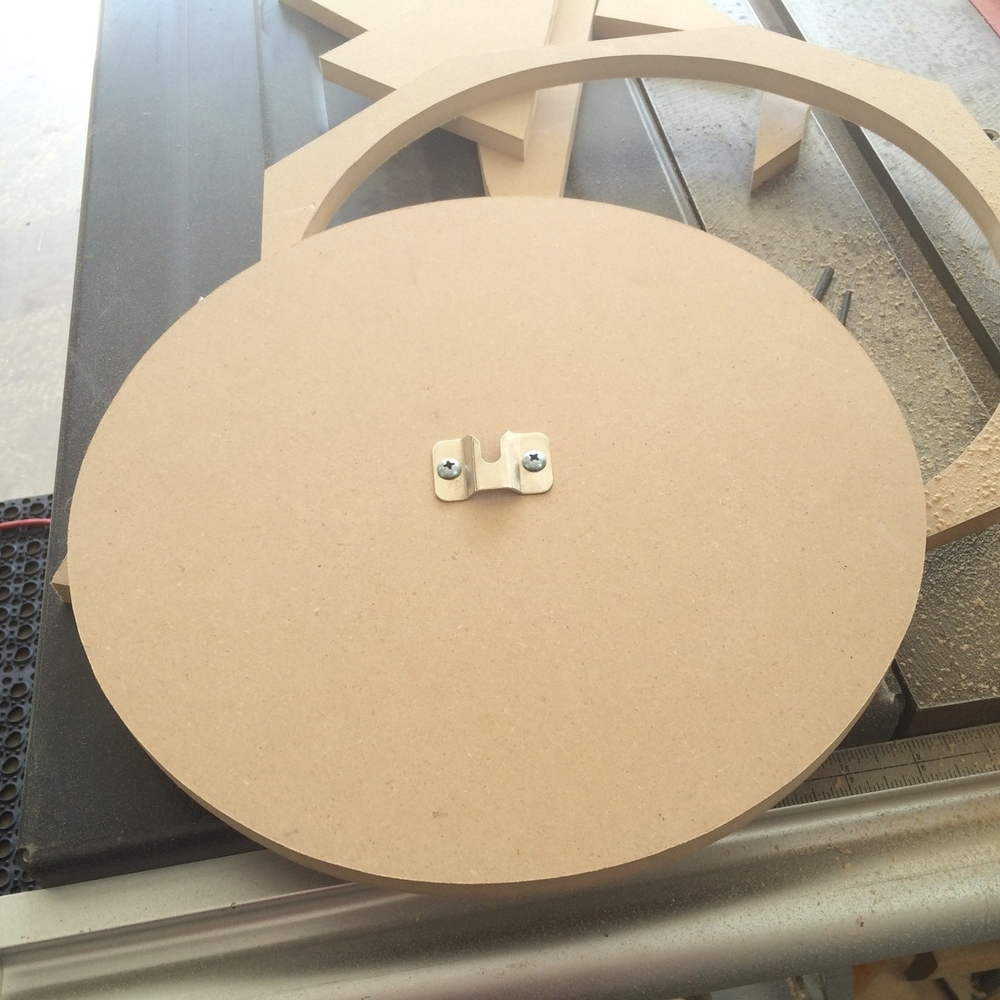 Nice, round dartboard holder to sturdy up dartboard