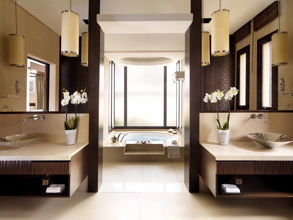 One Bed Beach Villa Bathroom_0001.jpg