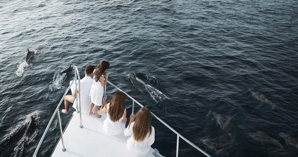 Dolphin Boat Lifestyle 076_v2 web.jpg