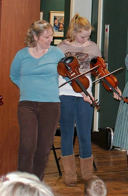 Trick fiddling (Stauffer Photo)