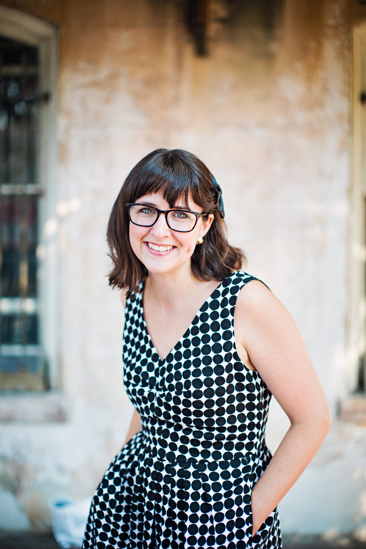 Hi! I'm Julia. I chat about simple DIY projects,home design, recipes, and family. Welcome!