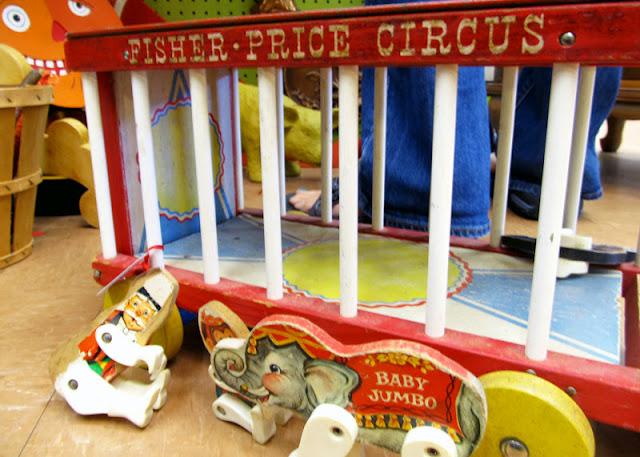 fisherprice_circus.jpg