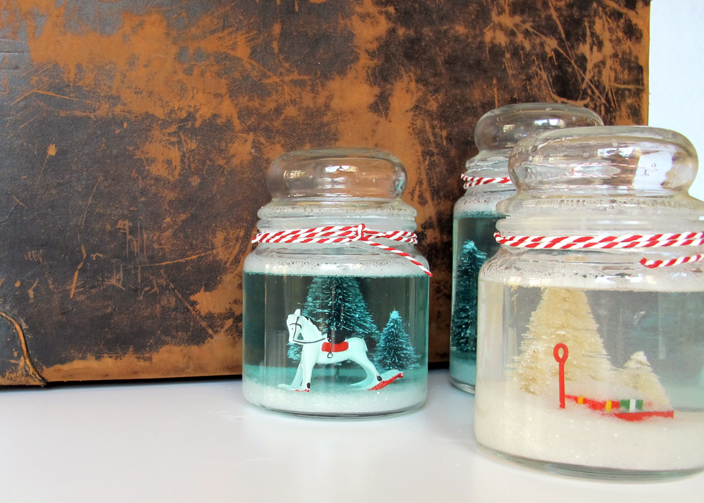 steps for making a cookie jar snowglobe. fun gift idea!