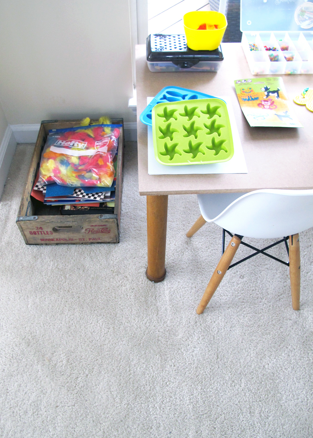 DIY kids craft table | tag&tibby