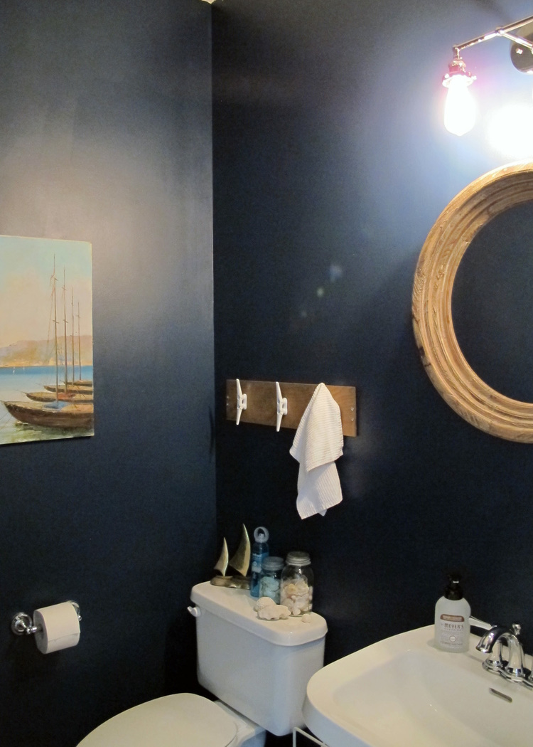 Nautical themed bathroom - Nautical Bathroom Makeover