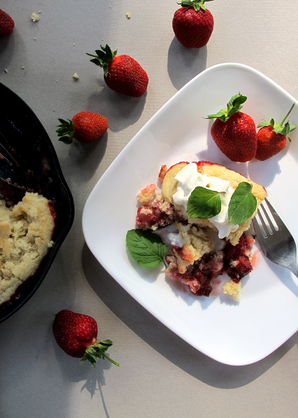 skillet cake with roasted strawberries