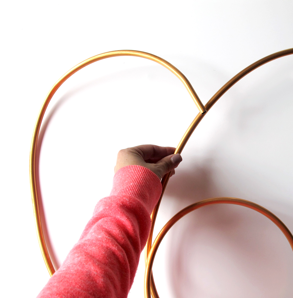 how to make a copper heart wreath