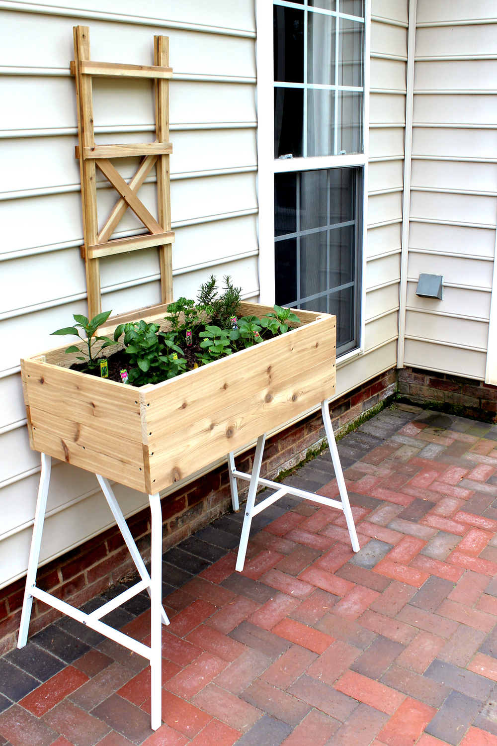 how to build an elevated container garden with cedar and IKEA trestle legs #ikeahack