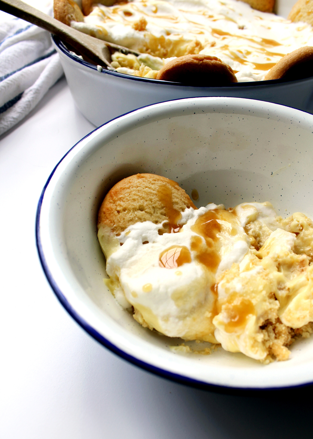 an old fashioned banana pudding recipe with butter cookie crust | tag&tibby