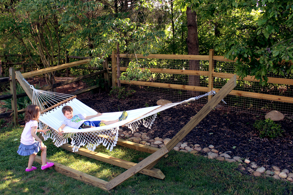 DIY backyard hammock
