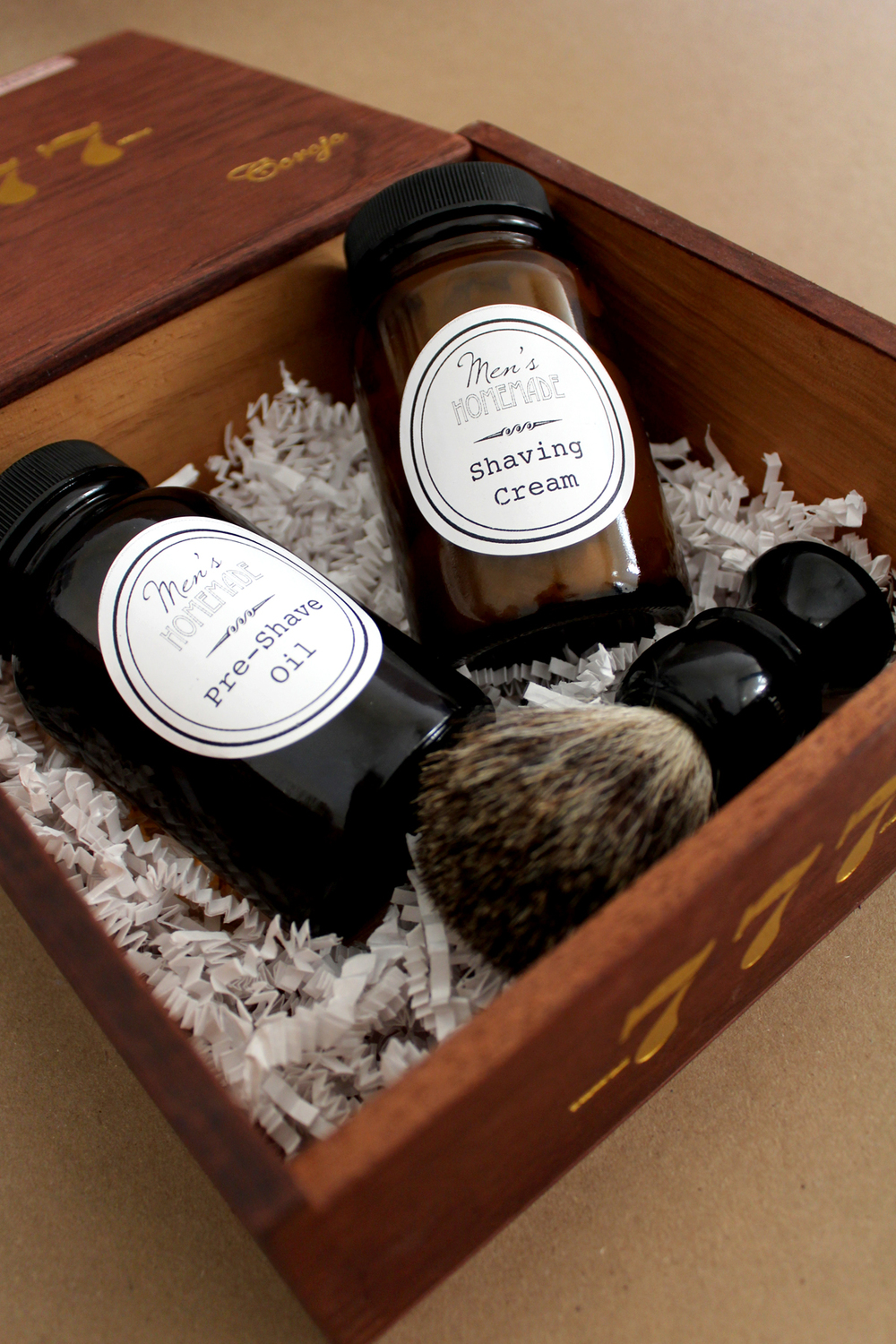 homemade shaving cream kit tutorial--perfect for Father's Day!