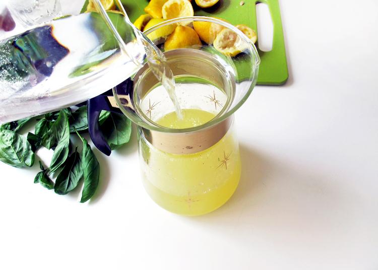 Sparkling Basil Lemonade by Tag&Tibby