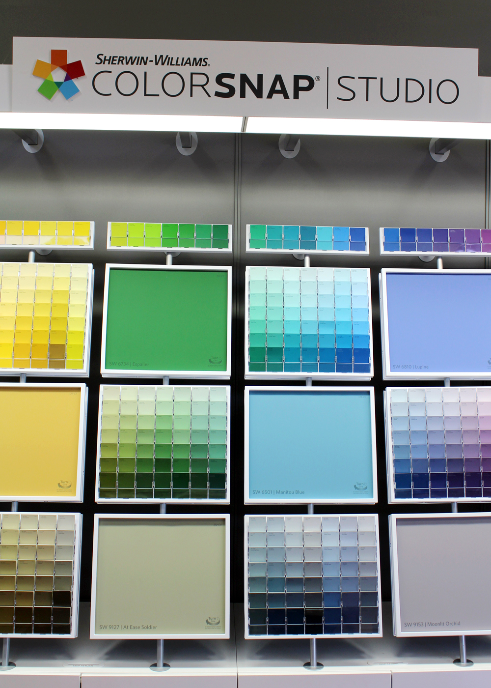 Sherwin-Williams in store ColorSnap Studio