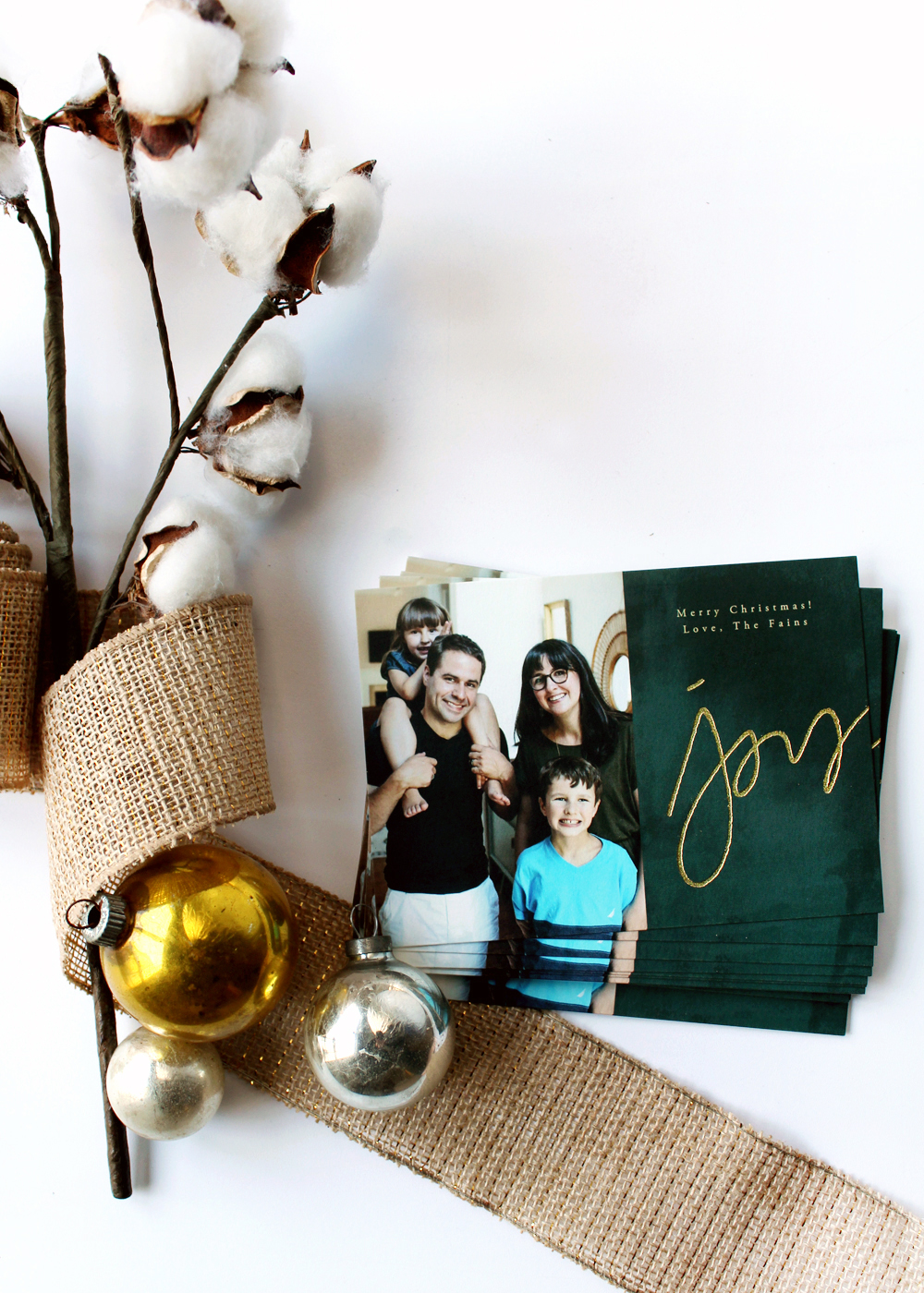 make holiday postcards with a family picture to send to friends and family