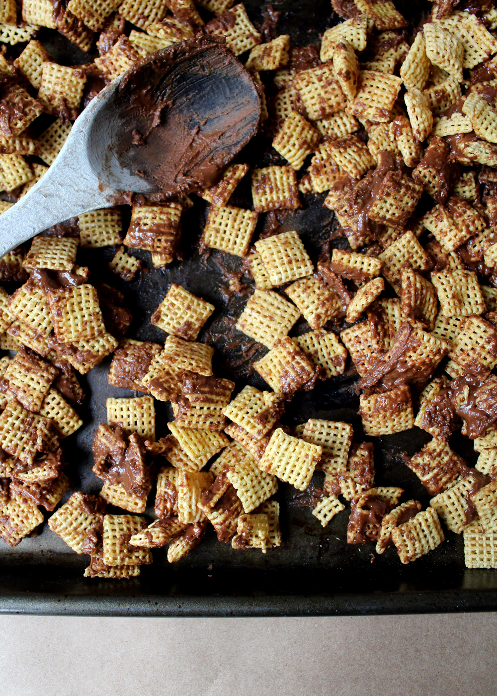 cover chex cereal with chocolate mixture