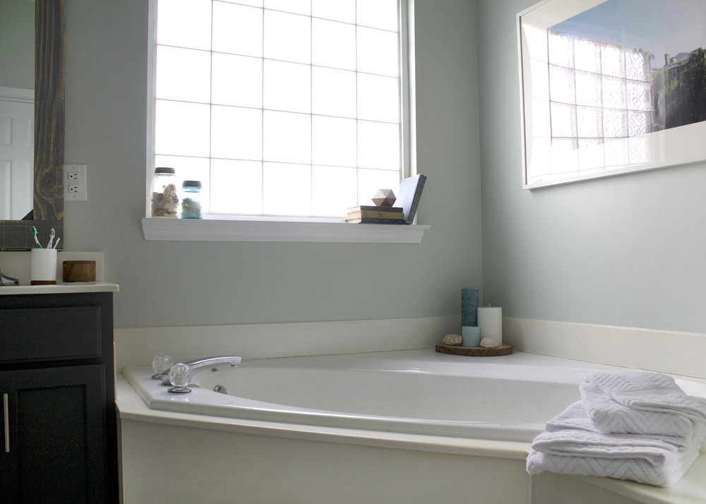 Sherwin Williams Sea Salt, master bathroom makeover