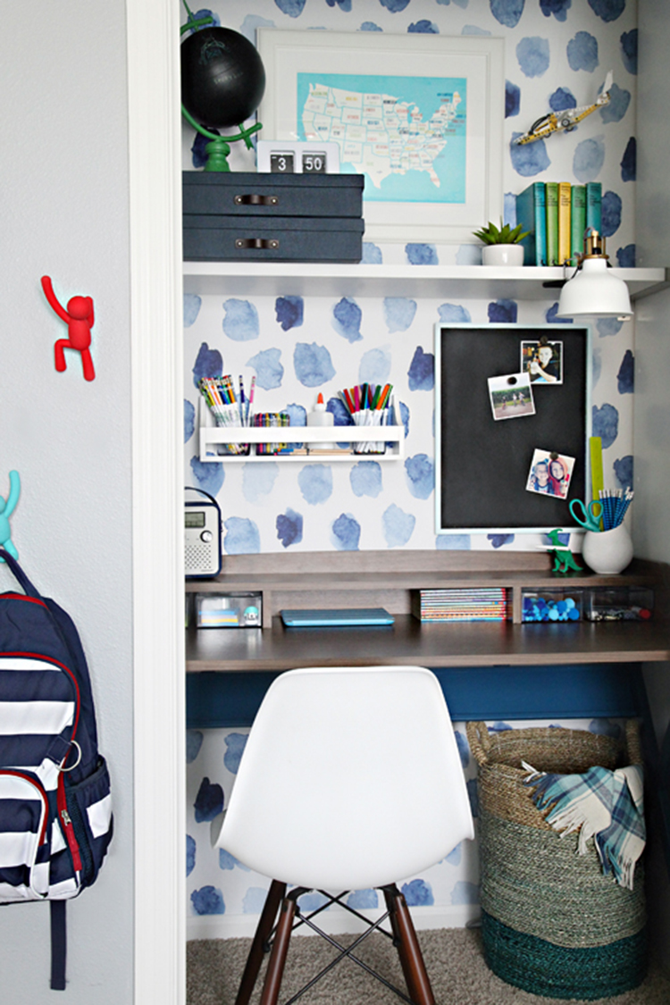 A Closet Workspace via IHeart Organizing