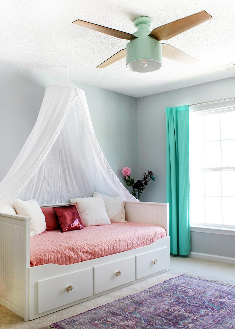 Hunter Fan Cranbrook Design (mint) in a girl's bedroom