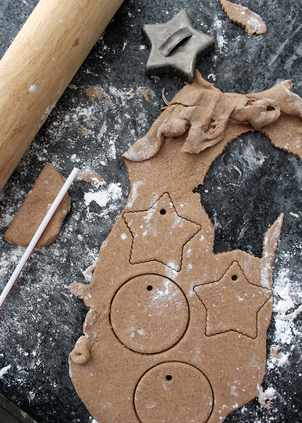 How to Make Salt Dough Ornaments With Cinnamon & Maple Ginger Tea