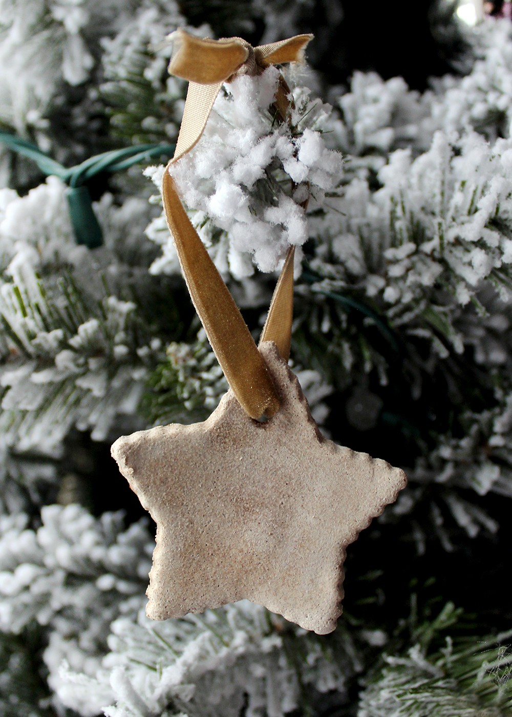 Homemade Salt Dough Ornaments With Cinnamon & Maple Ginger Insructions #handmadeChristmas #homemadeornament #budgetcraft