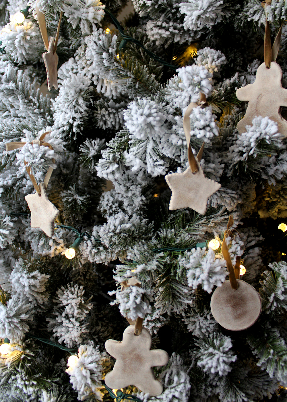 Homemade Salt Dough Ornaments With Cinnamon & Maple Ginger Insructions #handmadeChristmas #homemadeornament #budgetcraft