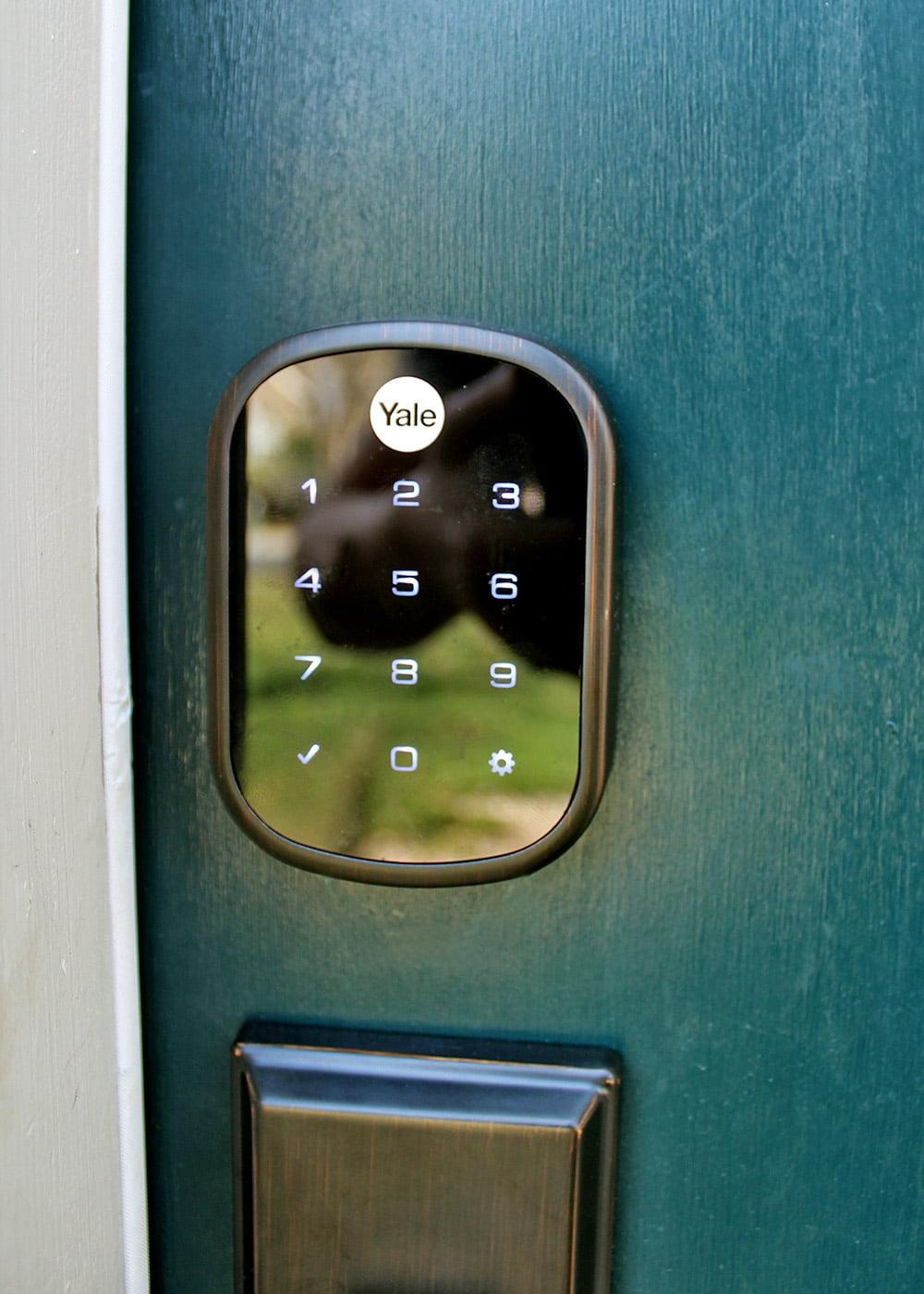 Yale backlit touchpad smart lock