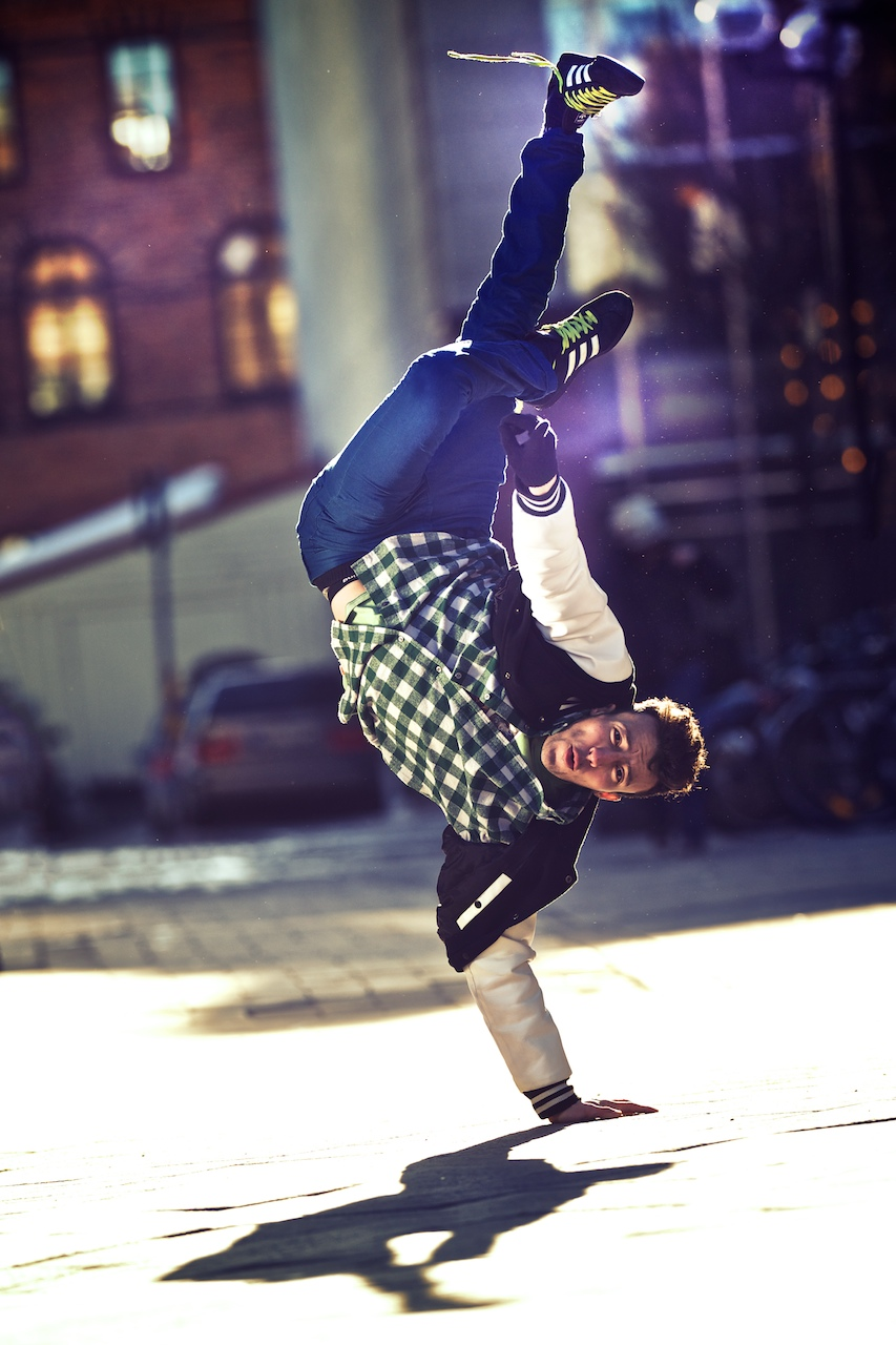 breack dance b-boys