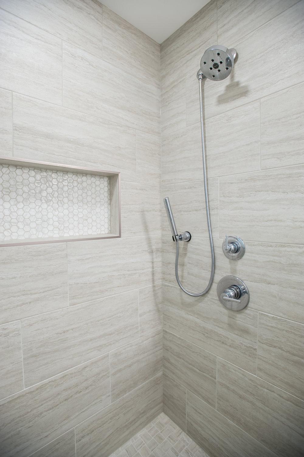 mid_centurymodern_bathroom