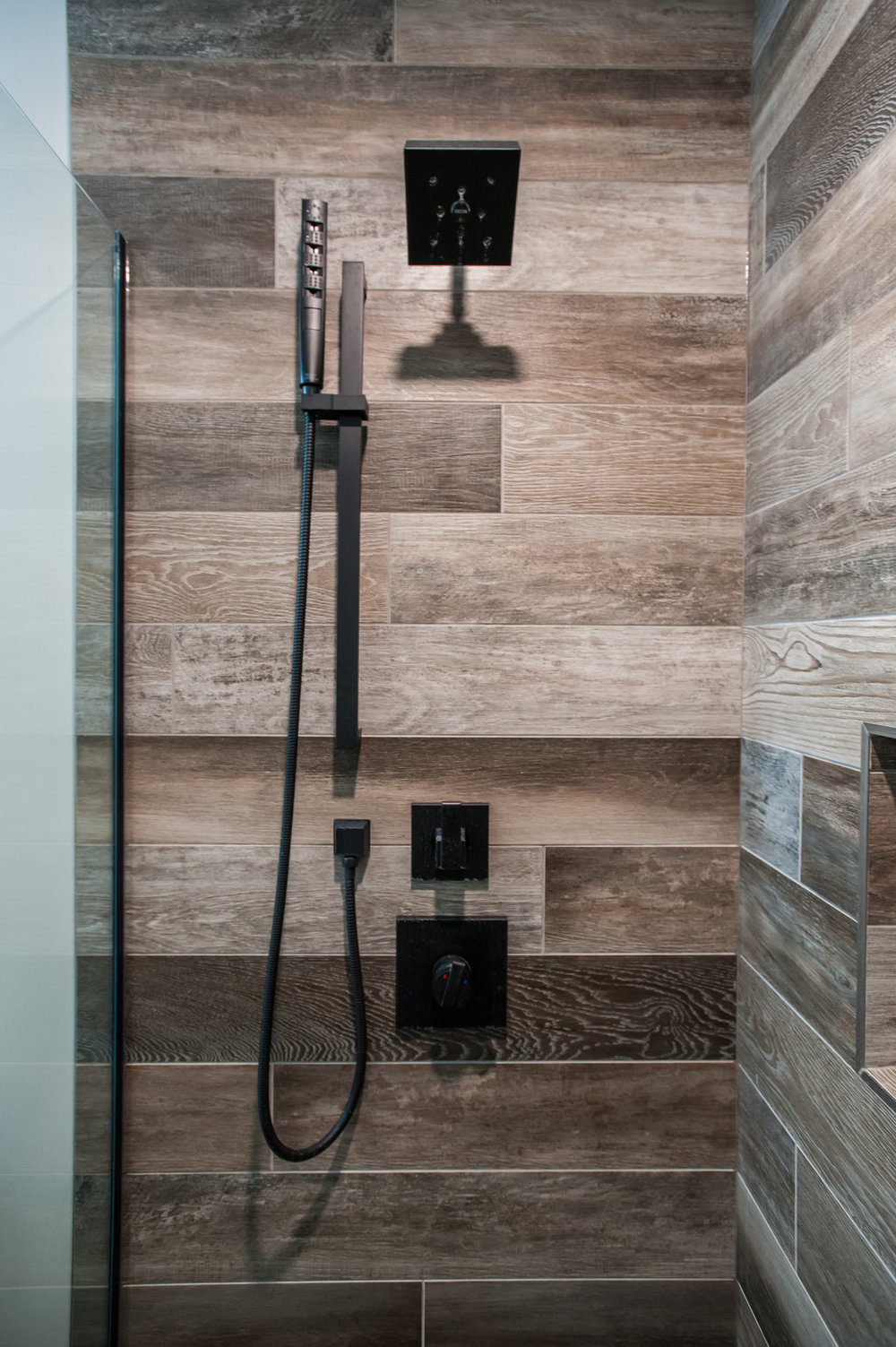 matte_black_shower_hardware