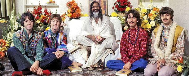 The Beatles with yogi guru,Maharishi Mahesh - 1968
