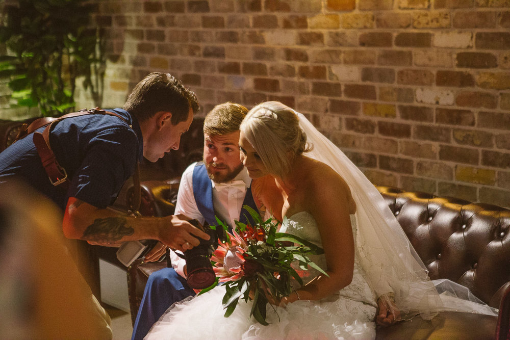 Brisbane wedding photographer with bride and groom