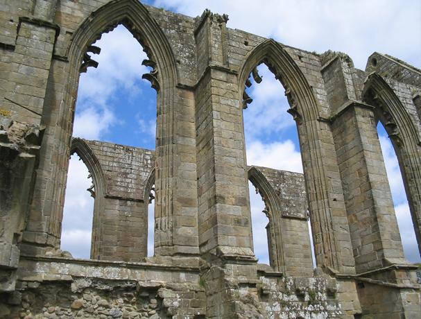 Ruinas de la Abadía de Bolton, siglo XII.Yorkshire,  Inglaterra.