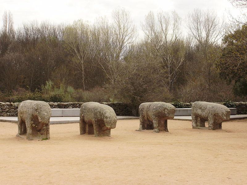 Toros de Guisando (Edad de Hierro esculturas zoomorfas) en el municipio de El Tiemblo, Ávila, Castilla y León, España.