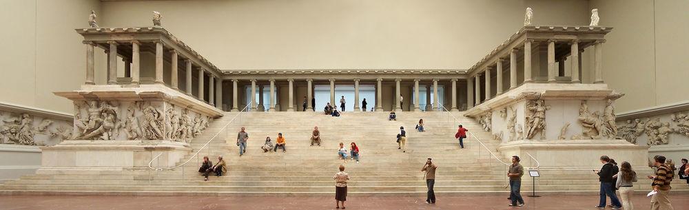 Altar de Zeus en elMuseo de Pérgamo.