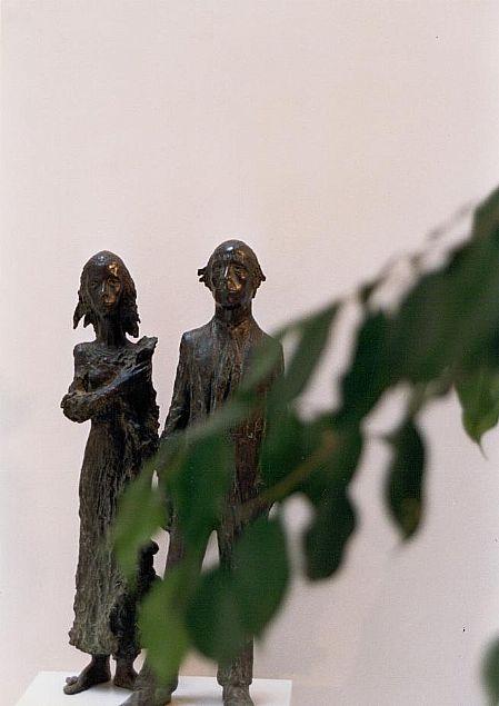 Hombre y mujer de pie, 1970 Ramón Muriedas Bronce, 82x20x18 cm.
