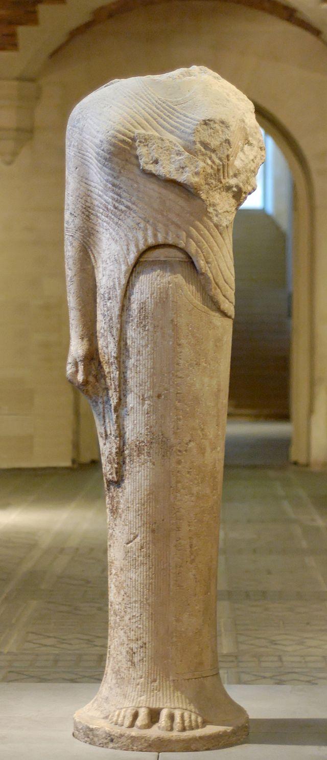 640px-Kore_Heraion_Samos_Louvre_Ma686.jpg