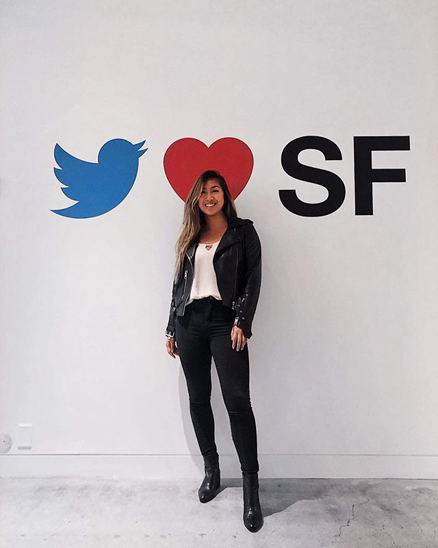 Vanessa Qin (Spring '17) is #BackInBusiness as a Product Design at 🐦 @twitter! She's makin' the most of her summer internship and giving back to the community by teaching at a 💻 @girlswhocode workshop! When she's not chillin' in ☕️ coffee shops, catch Vanessa buying new plants 🌱 for her apartment or ✈️ traveling the world. Can you guess how many counties our #globetrotter has been to this year? 🤔