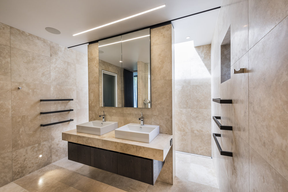 Fendalton Road House_Ensuite_9 of 10.jpg