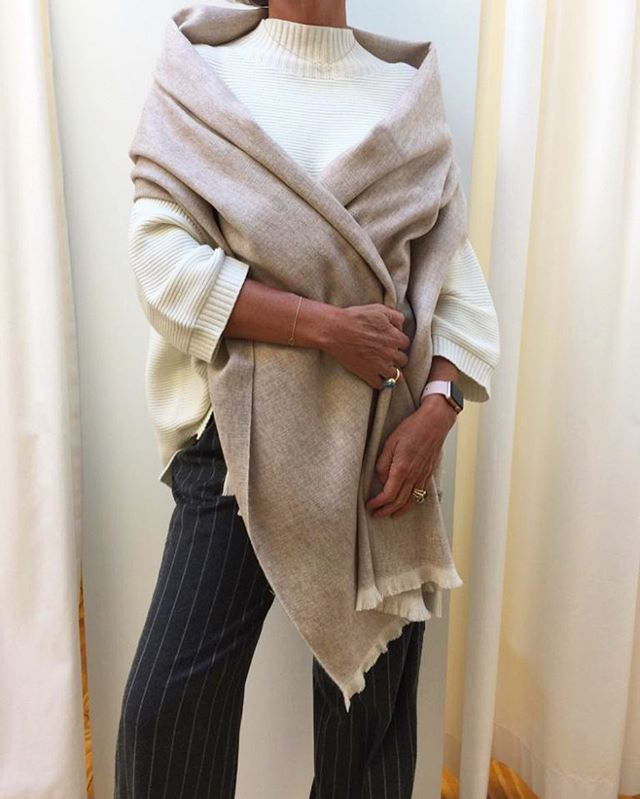 GIVEAWAY!!! Win this beautiful Bufandy #scarve -  Like the photo -  Follow #bufandy on Instagram -  Post a comment why YOU should #win the #winner will be announced on October 2... Good luck! #perron87
