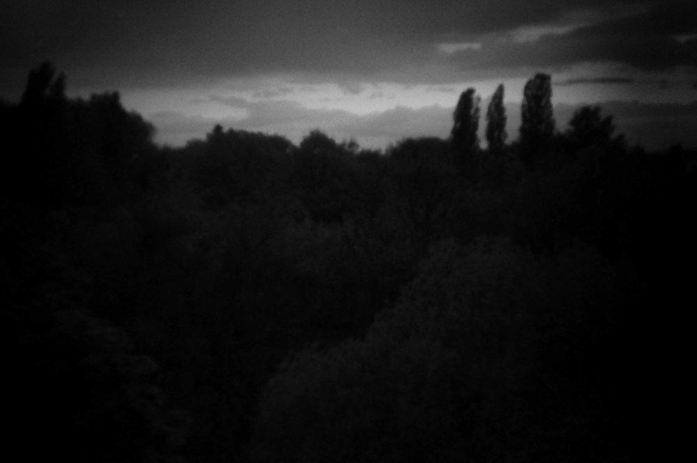 1 Aus der Serie Fenster - digitale Fotografie aus Papier - 30x45cm - 2014.jpg