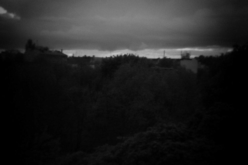3 Aus der Serie Fenster - digitale Fotografie aus Papier - 30x45cm - 2014.jpg