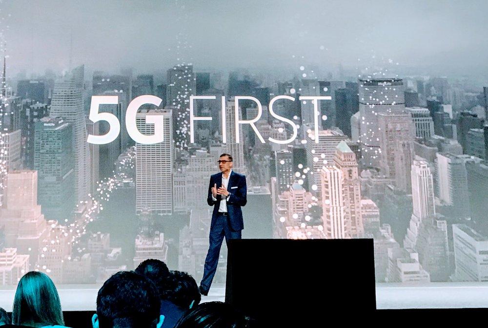 Mobile World Congress 2017: Nokias Rückkehr in den Hosensack.Die Finnen haben weit mehr im Gepäck als ein Remake des legendären 3310. Die Firma ist für die Zukunft gut aufgestellt. SonntagsZeitung, 5. März 2017