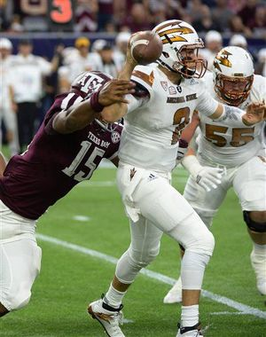 "Texas A&M Defender: ""Gold on white? You look like one of the Bee Gees! I HATE DISCO!!!!!"""