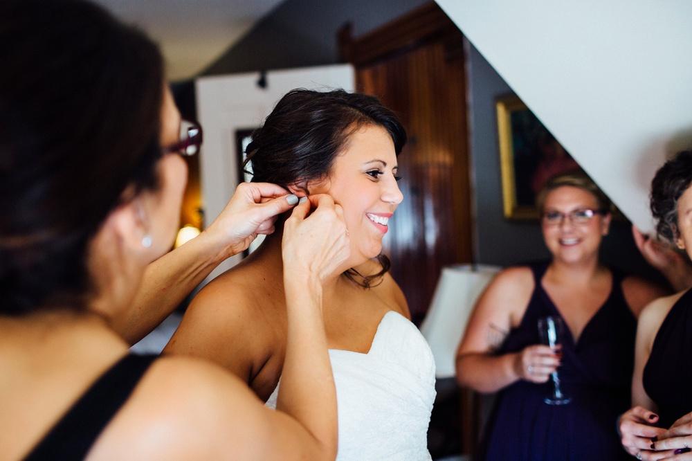 Hamilton Bed & Breakfast Intimate Wedding Photos_0009.jpg