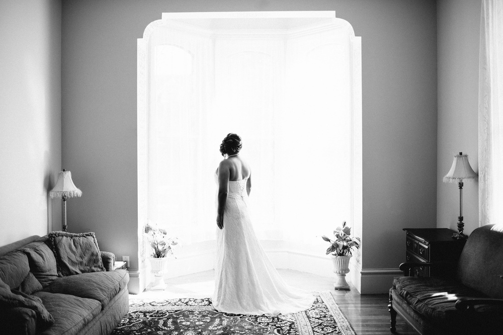Hamilton Bed & Breakfast Intimate Wedding Photos_0016.jpg