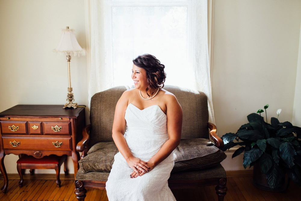 Hamilton Bed & Breakfast Intimate Wedding Photos_0018.jpg