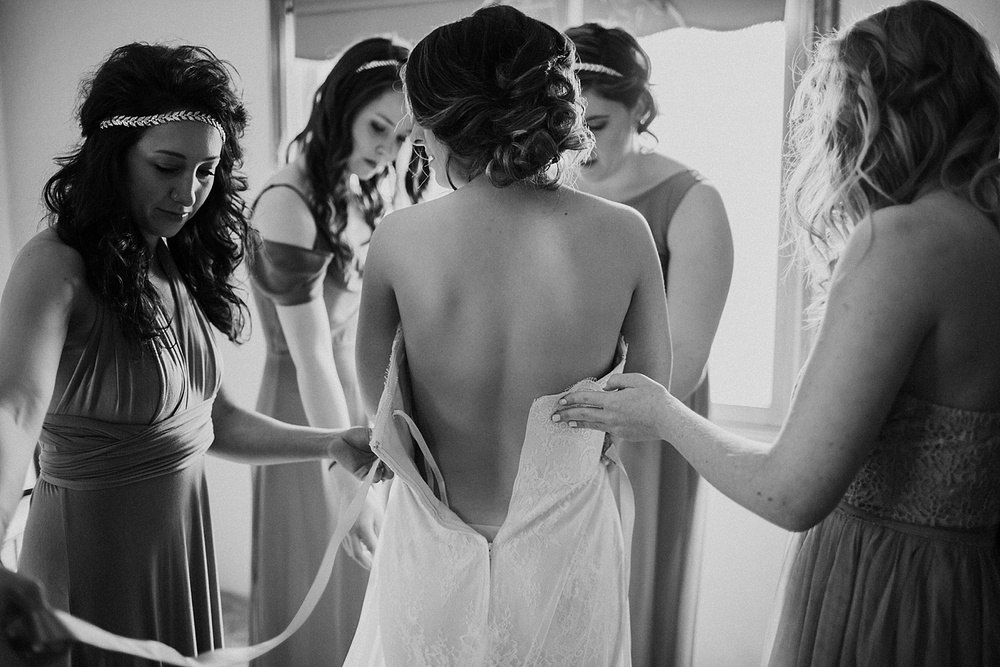 Whimsical Intimate Lake Summerset Lodge Wedding _ Nicole Lender Wedding Photography_0014.jpg