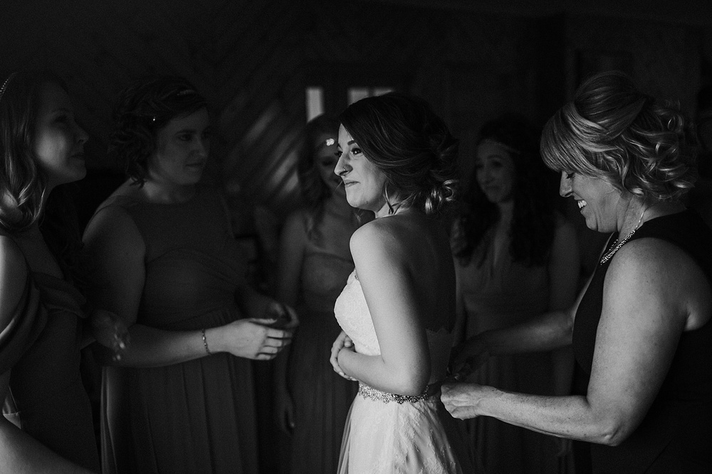 Whimsical Intimate Lake Summerset Lodge Wedding _ Nicole Lender Wedding Photography_0022.jpg