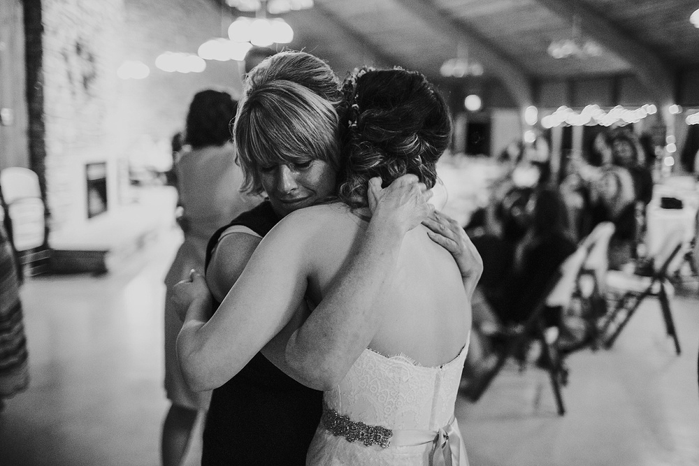 Whimsical Intimate Lake Summerset Lodge Wedding _ Nicole Lender Wedding Photography_0121.jpg